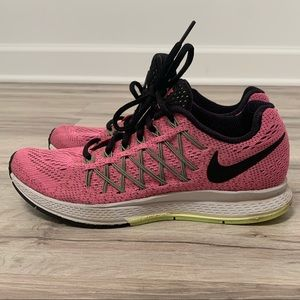 NIKE Zoom Barely Worn Running Sneakers  Gym Shoes